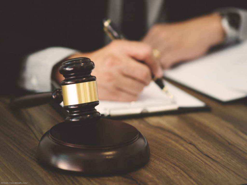 وکیل پایه یک دادگستری,انتخاب وکیل,دادخواست دادگاه,درخواست دادرسی,شکایت و افترا,صورتجلسه دادگاه,مشاوره با وکیل,درخواست مشاوره با وکیل پایه یک دادگستری,اشتباهات رایج در دادگاه